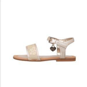 Stuart Weizmann camia-t flat sandal TODDLER